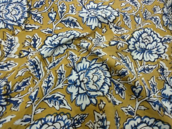 Pear rapid floral print running material