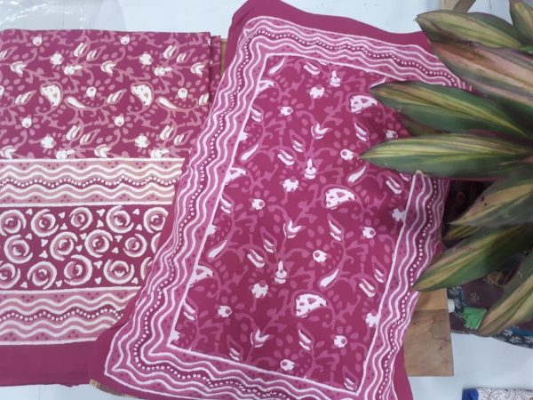 Magenta pink cotton bedsheet for double bed
