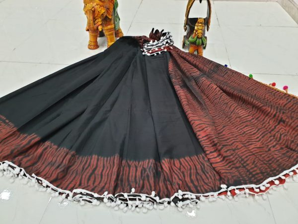 Pompom Cotton Mulmul Saree (12)