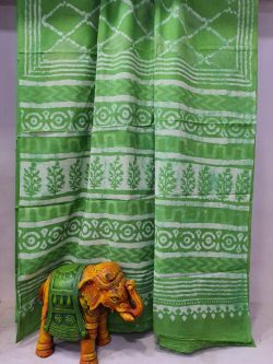 Traditional green soft cotton malmal saree with blouse