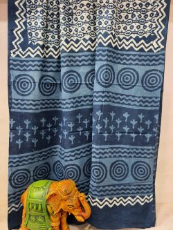 Traditional Sapphire soft cotton malmal saree with blouse
