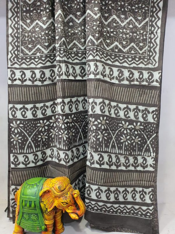 Superior quality taupe bagru print cotton mulmul saree with blouse