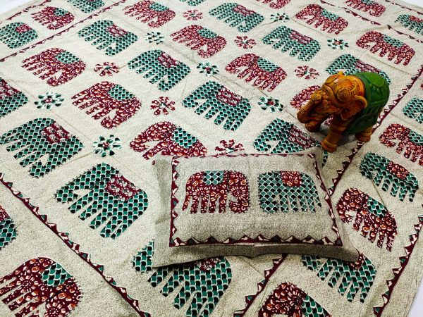 Off white elephant print pure Cotton double size bedsheet 90/108 inch