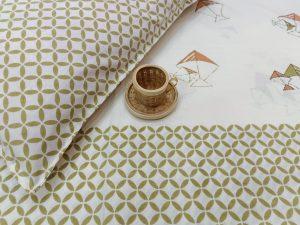 Kingsize off white double size bedsheet